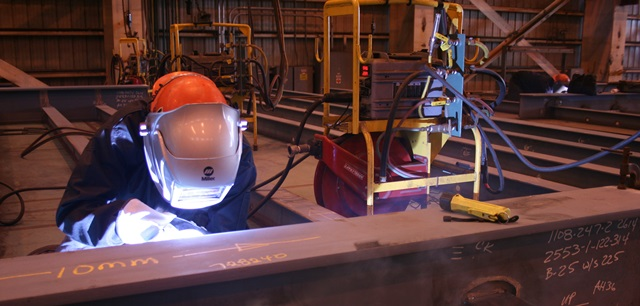 Ingalls Shipbuidling welder utilizes the WCC system.