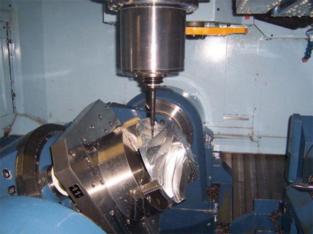 Máquina de magem de cinco eixos