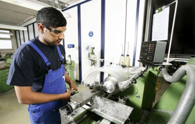 O que faz um mecânico industrial